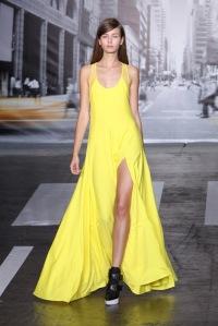 yeswetrend-dkny-amarillo-primavera-verano-2013