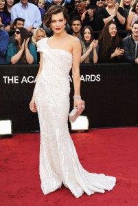 MilaJovovich-Oscars2012-jpg_015703