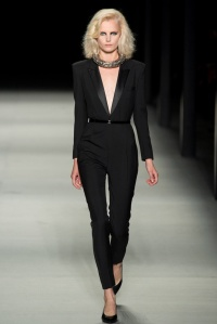 yves_saint_laurent_pasarela_577161562_683x