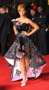 Rihanna American Music Awards 2009 Marchesa