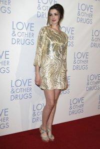 Anne Hathaway - Oscar de la Renta Gold