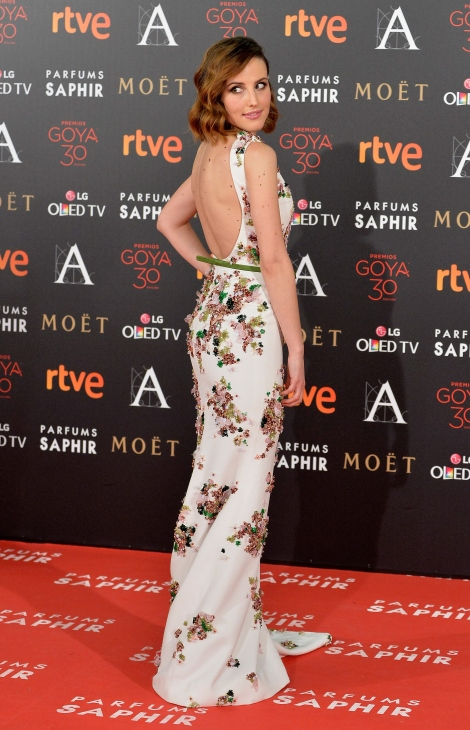 MADRID, SPAIN - FEBRUARY 06: Natalia de Molina attends Goya Cinema Awards 2016 at Madrid Marriott Auditorium on February 6, 2016 in Madrid, Spain.  (Photo by Carlos Alvarez/Getty Images)